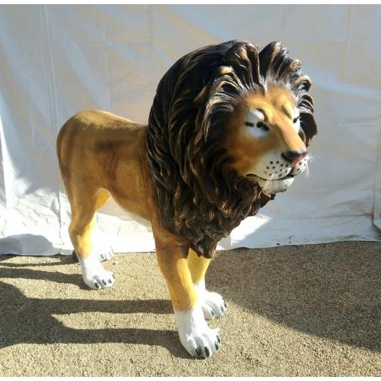 Lion en résine XXL